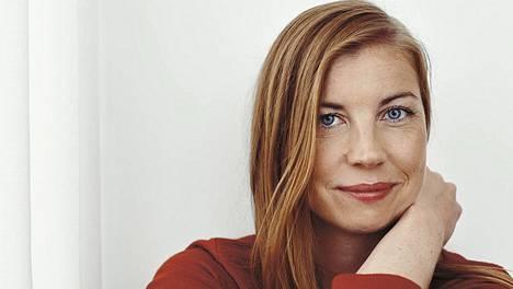 Tiina Katriina Tikkasen romaanin perustuu osittain kirjailijan omaan elämään.