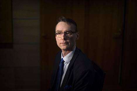Oikeusministeriö on ehdottamassa Tuomas Pöystiä uudeksi oikeuskansleriksi.