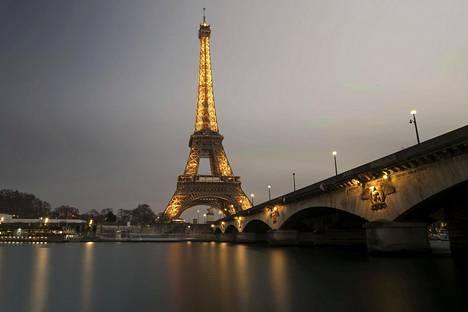 Kun Eiffelin tornia huolletaan, niin työmaalla on vastedes voimassa le Small Business Act.