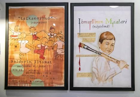 Päiväkoti Vironniemessä tehdään teatteria ja muuta taidetta. Kuvassa on päiväkodin esitysten mainosjulisteita.
