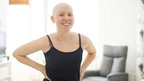 Karoliina Karhilahden leukemia uusiutui talvella. Nyt olo alkaa vihdoin kohentua kantasolusiirron jäljiltä.