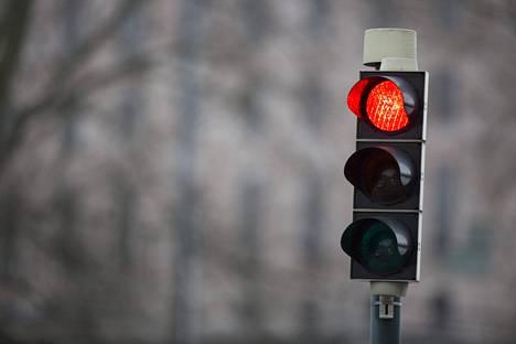 Hovioikeuden mukaan punaisia päin ajaminen ei ole törkeää, jos valot ovat juuri vaihtumassa.