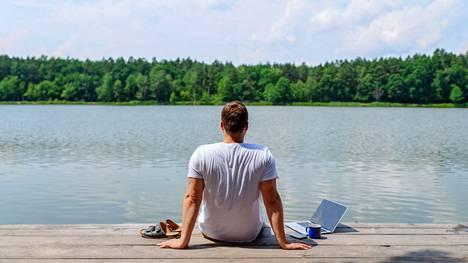 Kun toimistoille voi vihdoin palata, on monelle täysi kysymysmerkki, kuinka ison osan viikostaan työntekijät edes haluavat viettää toimistolla.