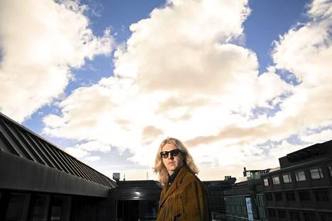 Matti Mikkola yllättää Saimaa-yhtyeensä kanssa tuttuakin tutuimmilla kappaleilla, joista tehdyt versiot venyvät villiksi jazzrockiksi.
