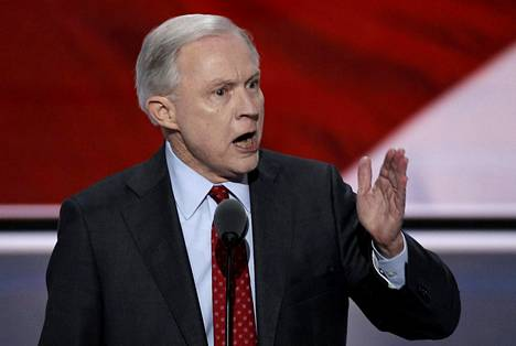 Jeff Sessions, 69, on nimitetty Donald Trumpin tulevan hallinnon oikeusministeriksi.