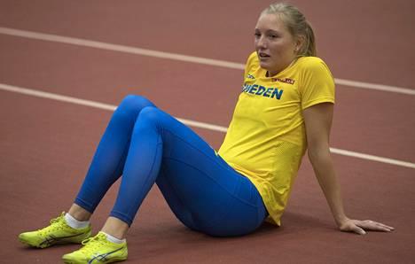 Pikajuoksija Moa Hjelmer antoi kasvot seksuaalisen hyväkskäytön uhreille Ruotsin yleisurheilussa.