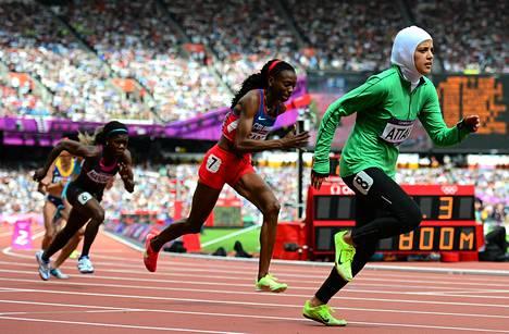 Saudinaisten mahdollisuus urheiluun nousi esille viime vuonna Lontoon olympialaisten aikaan. Maa lähetti ensi kertaa naisurheilijoita kilpailuihin. Kuvassa etualalla Sarah Attar.