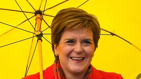 Skotlannin pääministeri Nicola Sturgeon johti itsenäisyyspuolueensa selvään vaalivoittoon.
