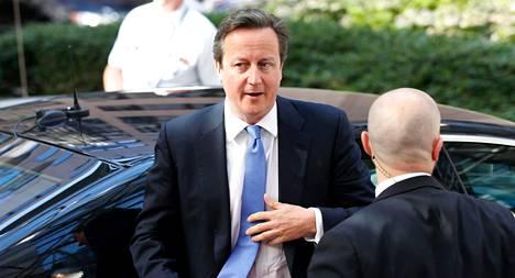 Britannian pääministeri James Cameron saaapui EU-johtajien kokoukseen keskiviikkona.