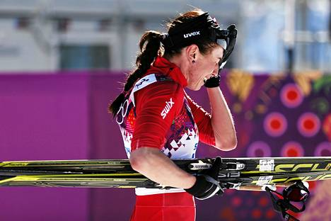 Justyna Kowalczyk herkistyi voitettuaan olympiakultaa Sotšissa.