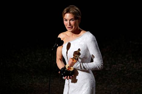 Renée Zellweger näytteli Judy Garlandia ja sai roolistaan Oscarin. Zellweger kuuluu nyt niihin harvoihin naisnäyttelijöihin, joilla on Oscar sekä pää- että sivuroolista.