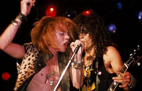 Axl Rose ja Slash Troubadour-klubilla vuonna 1986.
