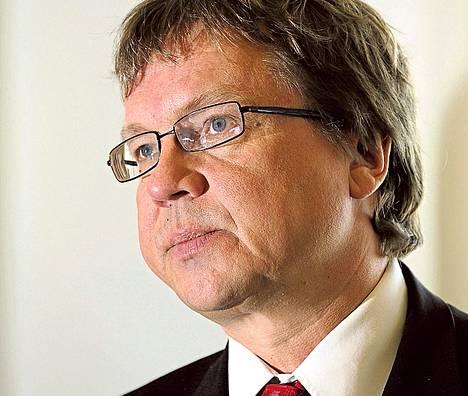 Pekka Sauri Yölinjalla