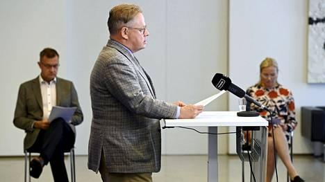 Helsingin pormestari Juhana Vartiainen pääkaupunkiseudun koronakoordinaatioryhmän tiedotustilaisuudessa elokuussa.
