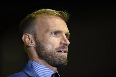 Luke Chadwick vuonna 2016, jolloin hän toimi Cambridge Unitedin akatemiajoukkueen valmentajana.