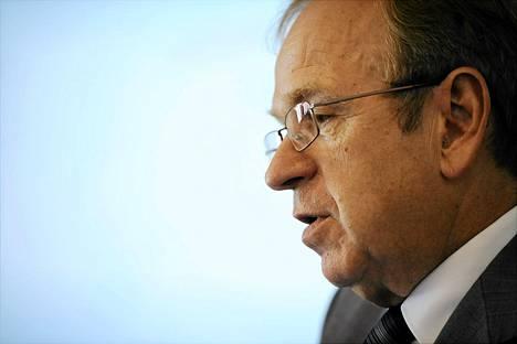 Suomen Pankin pääjohtaja Erkki Liikanen haluaisi nostaa suomalaisten eläkeikää.