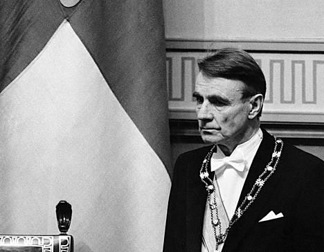 Presidentti Mauno Koiviston virkaanastujaiset toiselle kaudelle 1.3.1988. Koiviston ensimmäinen kausi oli Suomen historian pisin presidenttikausi.