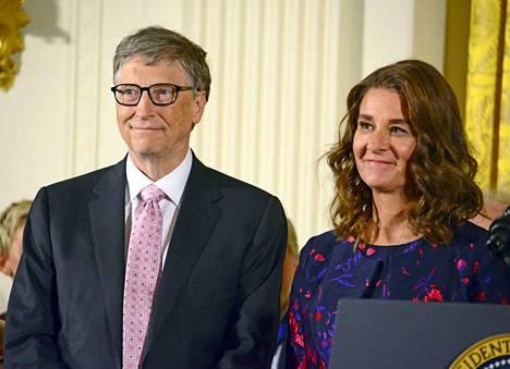 Bill ja Melinda Gates kuvattuna vuonna 2016 Valkoisessa talossa.