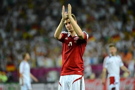 Nicklas Bendtner kiitti faneja Saksalle kärsityn tappion jälkeen.