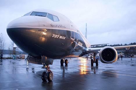 Boeing 737 Max 8 -lentokone oli lentokonehallin ulkopuolella Boeingin tehtaalla Rentonissa Washingtonin osavaltiossa Yhdysvalloissa vuonna 2015.