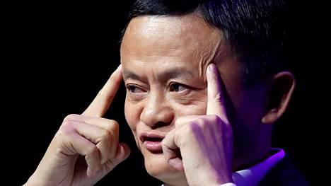 Jack Ma puhui startup-yrittäjille viime vuoden toukokuussa Pariisissa.