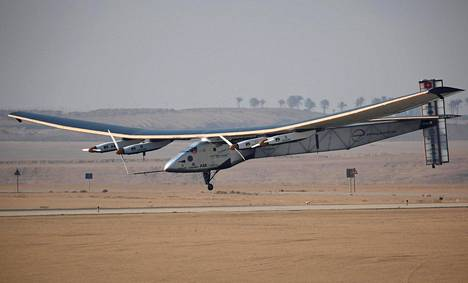 Solar Impulse kuvattiin 13. heinäkuuta Kairossa, josta se nyt suuntaa kohti Arabiemiirikuntien Abu Dhabia.