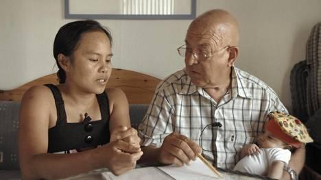 72-vuotias korppoolainen Torgils tapasi 41-vuotiaan Anan Filippiineillä.