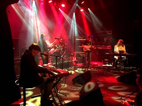 Wigwam Revisited Tavastialla viime keskiviikkona, uruissa vasemmalla yhtyeen alkuperäisjäsen Jukka Gustavson.