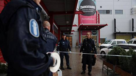Poliisi eristi alueen tiistaina.