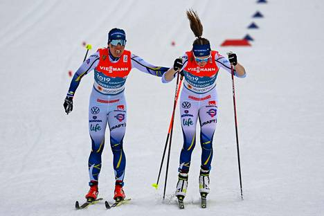 Charlotte Kalla lähetti Ebba Anderssonin kolmannelle osuudelle. Tällä ei ollut enää mitään tehtävissä.