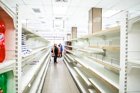 Venezuelassa on totuttu tyhjiin hyllyihin.
