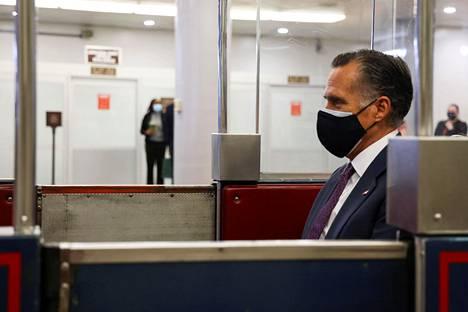 Utahin senaattori Mitt Romney oli ensimmäisiä merkittäviä republikaanipoliitikkoja, jotka onnittelivat Joe Bidenia marraskuun vaalivoitosta. Hän aikoo vahvistaa Bidenin voiton.
