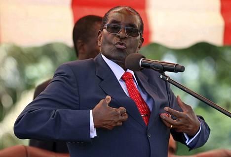 Zimbabwen presidentti Robert Mugabe puhui puolueensa ylimmille päättäjille pääkaupungissa Hararessa viime viikon keskiviikkona.