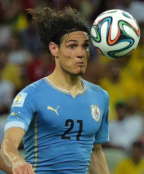 Uruguayn hyökkääjän Edinson Cavanin tiukassa paidassa vastustajan on hankalampi roikkua.