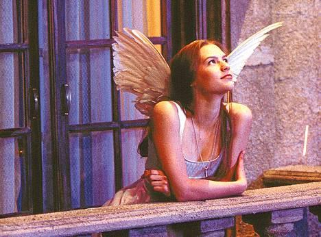 Baz Luhrmannin Juliaa esittää Claire Danes.
