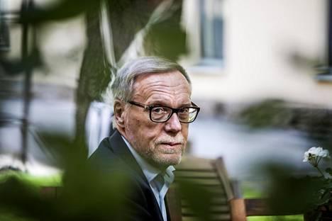 """""""Kun on seurannut tätä pitkää sotetaivalta, täytyy todeta, että nykykaavailuihin liittyy tavattomia riskejä"""", Jukka Pekkarinen sanoo."""