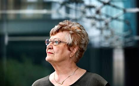 """Ritva Auvinen on tehnyt oopperauransa kotimaassa. """"Kävin pari kertaa Saksassa oopperakoelaulussa, ja pelkäsin joutuvani kiinnitetyksi"""", hän sanoo."""