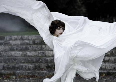 Loïe Fulleria esittää The Dancer -elokuvassa Soko.