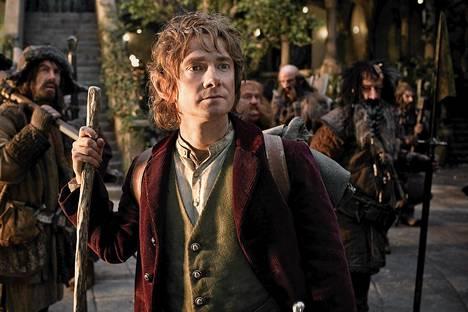 Bilbo Baggins (Martin Freeman) lähtee seikkailulle 12 kääpiön ja Gandalf-velhon kanssa elokuvassa Hobitti.