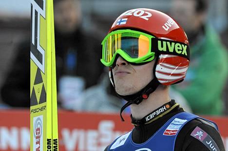 Lauri Asikainen hyppäsi sijalle 13 Nizhni Tagilissa.