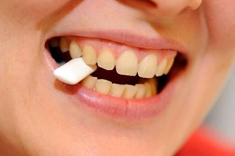 Vaikka suuta pitäisi puhtaana, voivat sen bakteerit olla yhteydessä suoliston syöpiin.
