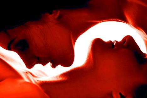 Yhdysvalloissa yleinen tiukka siveyskäsitys on ryöminyt Suomeenkin. Seksuaalisuus on vähemmän hyväksyttyä kuin aiemmin