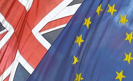 Britannian ja EU:n liput liehuivat Eurooppa-talon edessä Lontoossa aiemmin kesäkuussa.