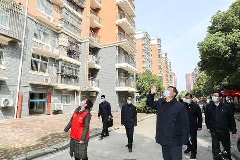 Kiinan presidentti Xi Jinping vieraili koronaviruksen kurittamassa Wuhanissa 10. maaliskuuta.