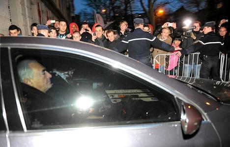 Dominique Strauss-Kahnia kuulusteltiin tapauksesta kaksi päivää, ja hänet päästettiin vapaaksi keskiviikkona.