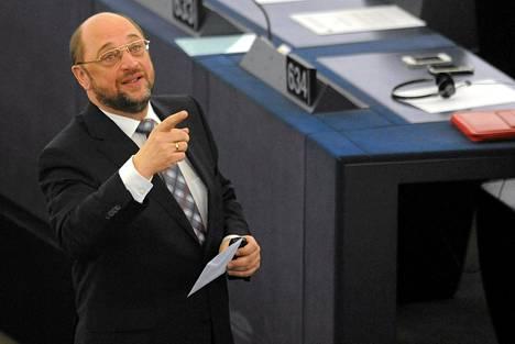 Martin Schulz iloitsi äänestystuloksesta.
