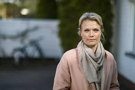 Psykoterapeutti Maaret Kallio vastailee HS-livelähetyksissä lukijoiden kysymyksiin.
