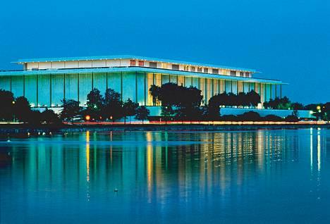 Kennedy Centeriin mahtuvat ooppera, baletti ja sinfoniaorkesteri.