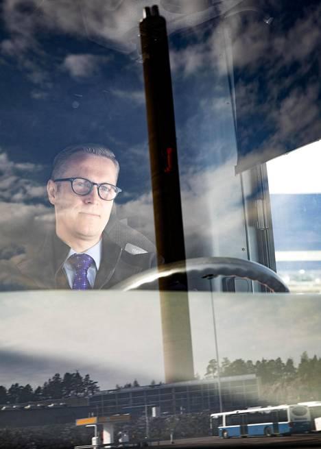 Bussikuski Jani Viljakainen mittasi askeleitaan yhden työpäivän ajan.