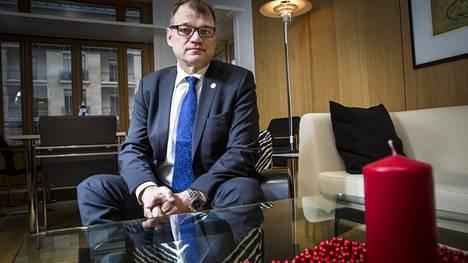 Juha Sipilän mukaan  Suomi on joissakin kysymyksissä hyvin kaukana  Ranskan presidentin  Emmanuel Macronin  ajattelusta.